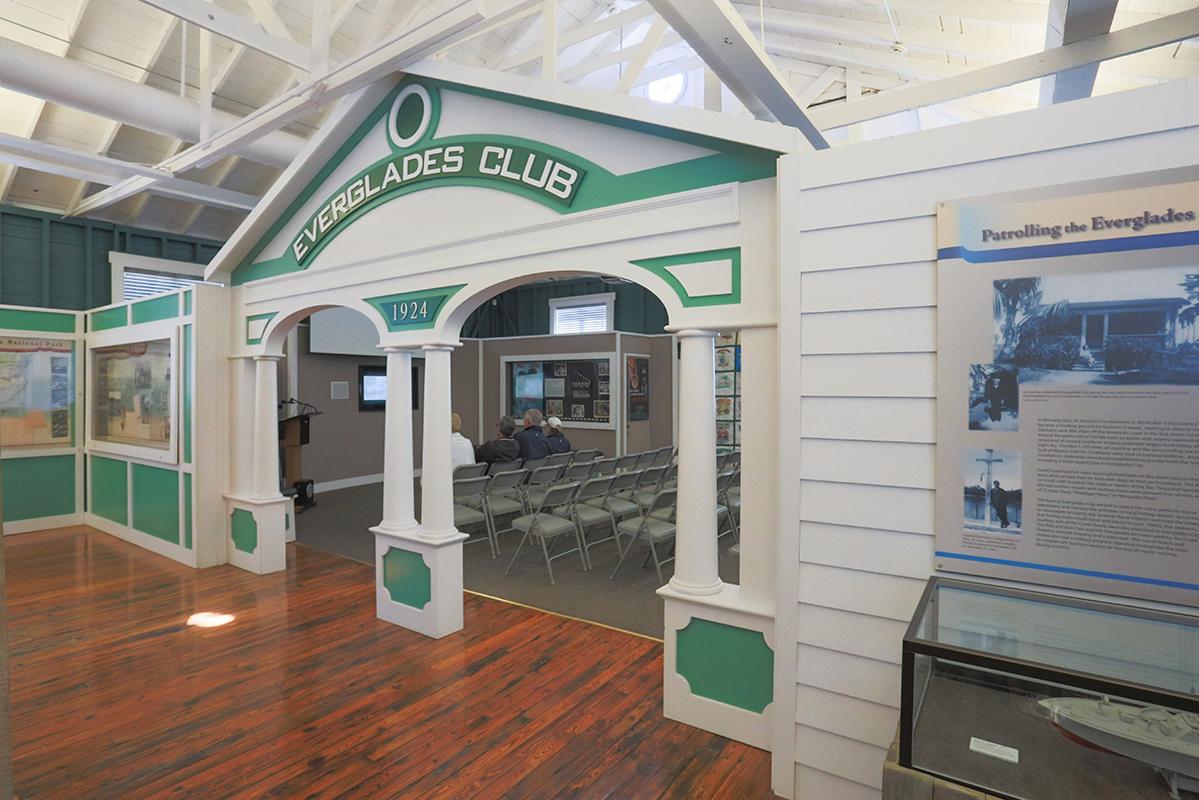 Everglades Club facade
